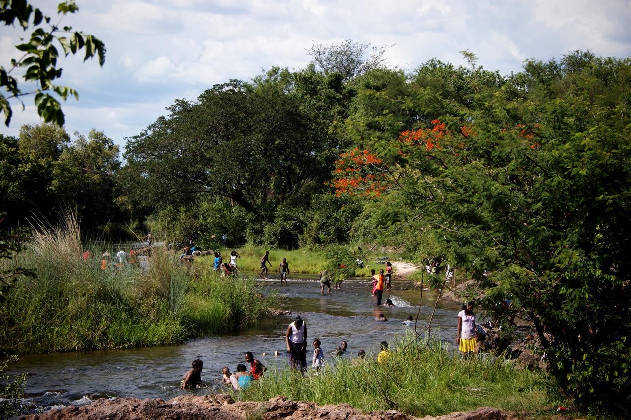 Devil's Pool an den Victoria Fällen (Viktoria Fällen), Sambia und Simbabwe