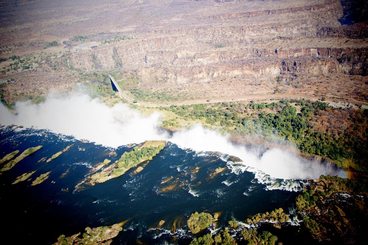 Helikopter Flug über die Victoria Fälle (Viktoria Fälle) in Sambia und Simbabwe