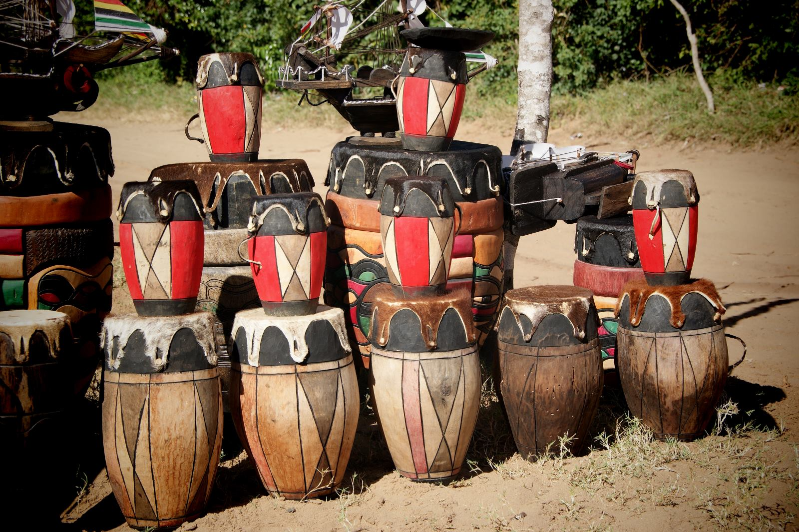 Local art, Vilanculos, Drums, Mozambique