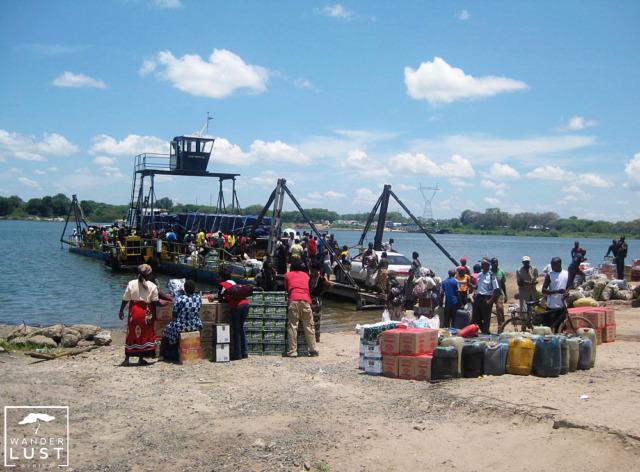 Grenzübergang zwischen Botswana und Sambia - Die Kazangula Fähre